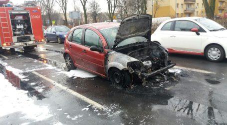 Samochód w płomieniach