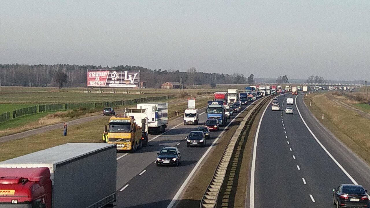 Photo of Kolizja ciężarówki na A1. Utrudnienia w ruchu