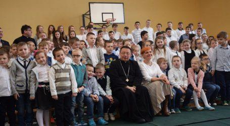 Arcybiskup Grzegorz Ryś z wizytą w szkole