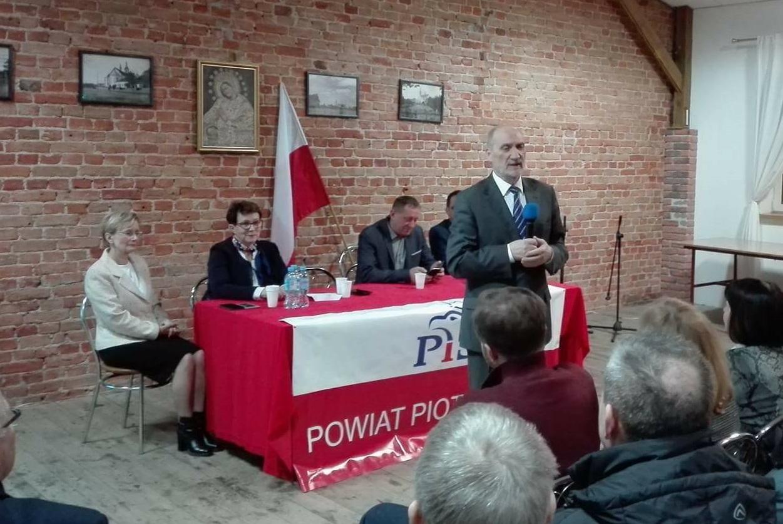 Photo of Antoni Macierewicz gościł w Rozprzy