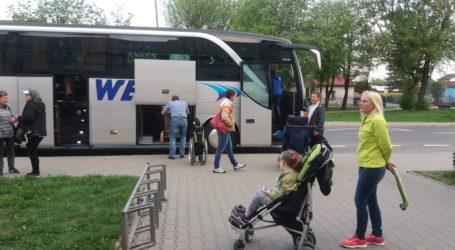 Niepełnosprawne dzieci z Piotrkowa w drodze przed Sejm