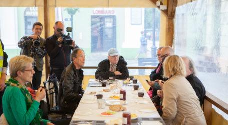 Śniadanie z artystami