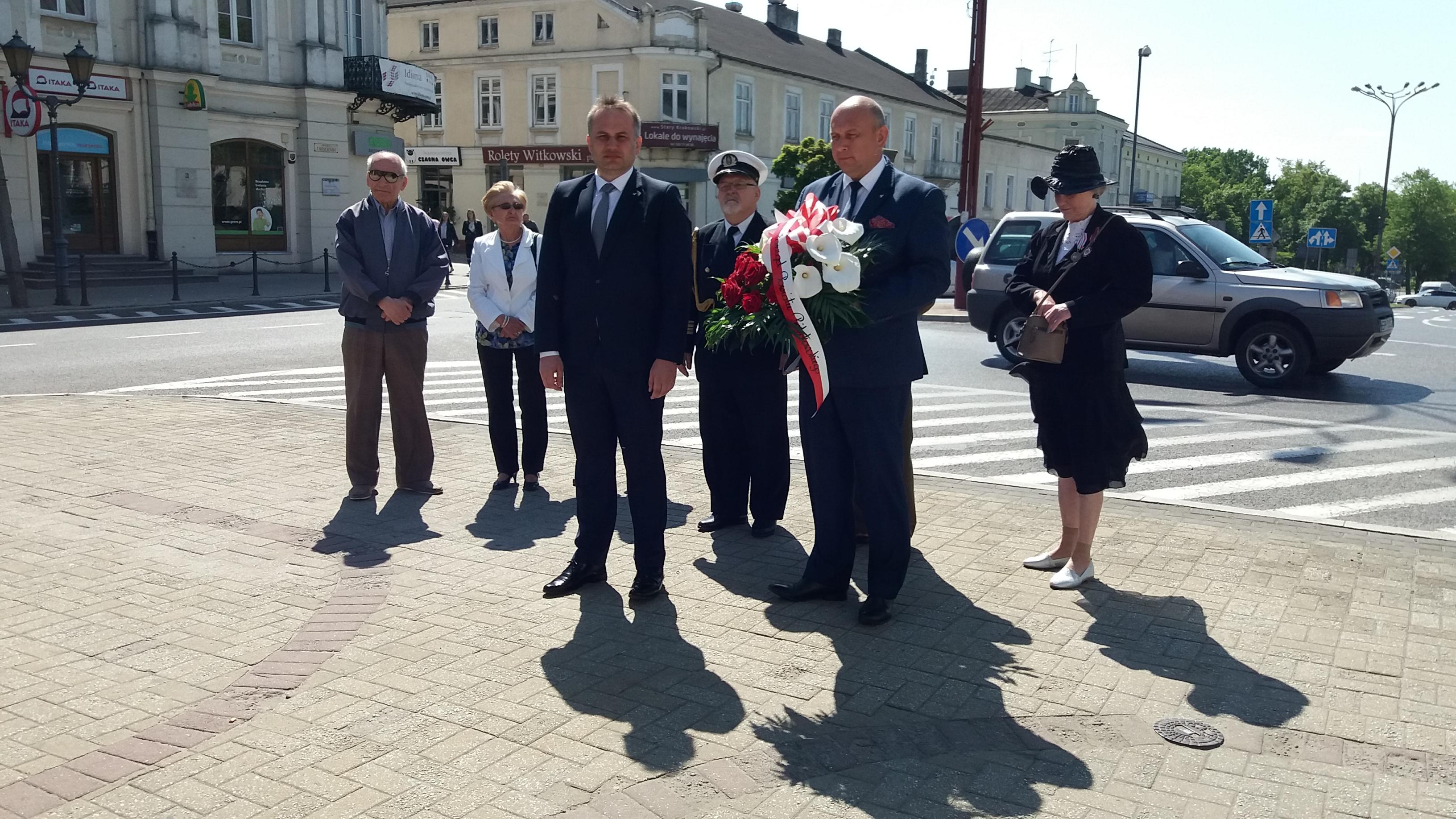 Photo of Narodowy Dzień Zwycięstwa – jedno święto, różne delegacje