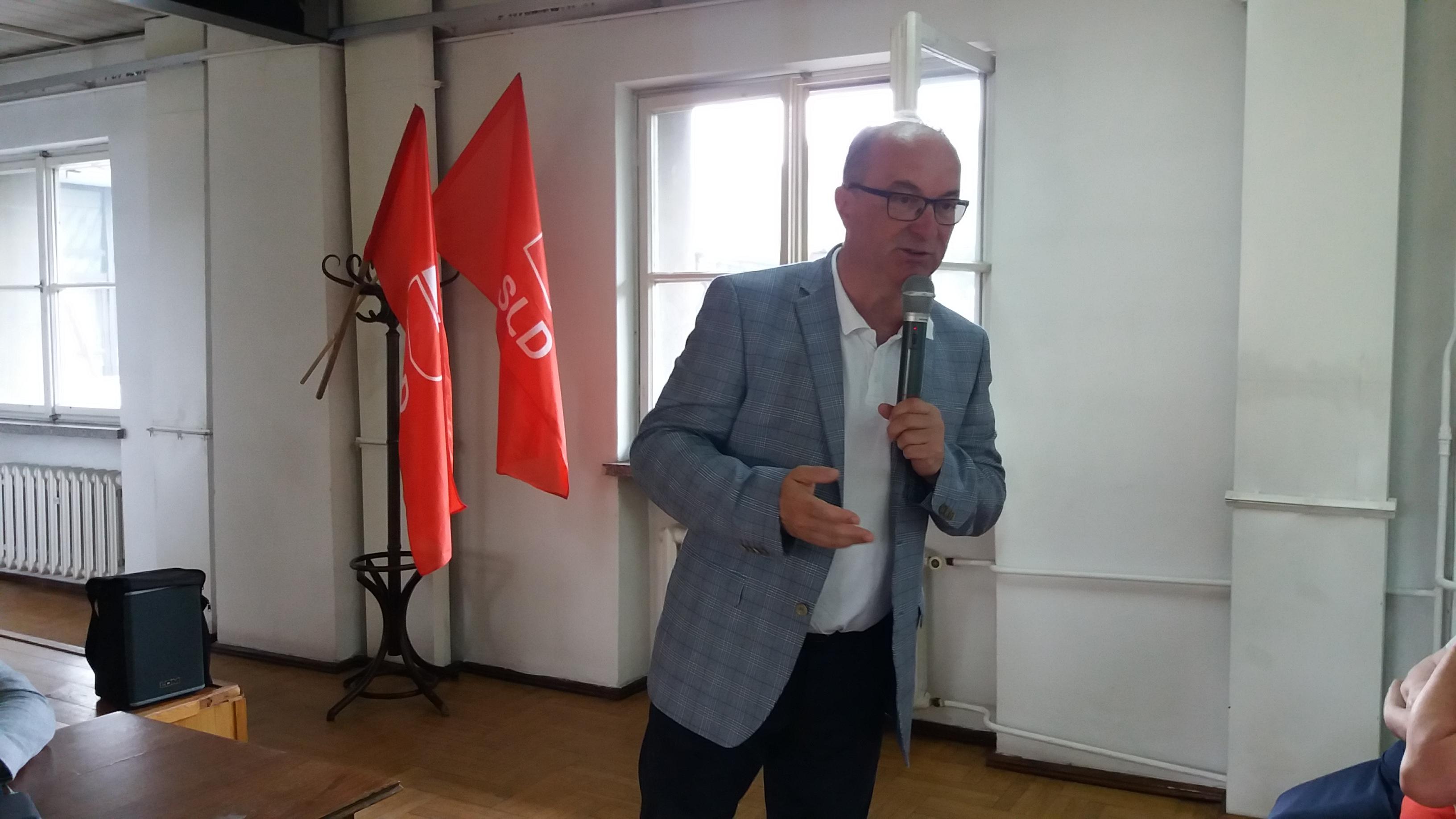 Photo of Czarzasty: Nie przywozimy kandydata na prezydenta w teczce. Decyzja należy do Ostrowskiego