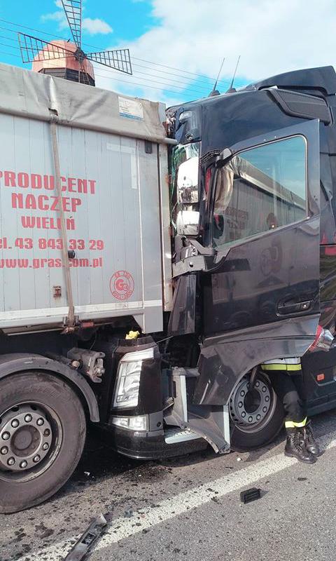 Photo of Zderzenie ciężarówek w Gomulinie