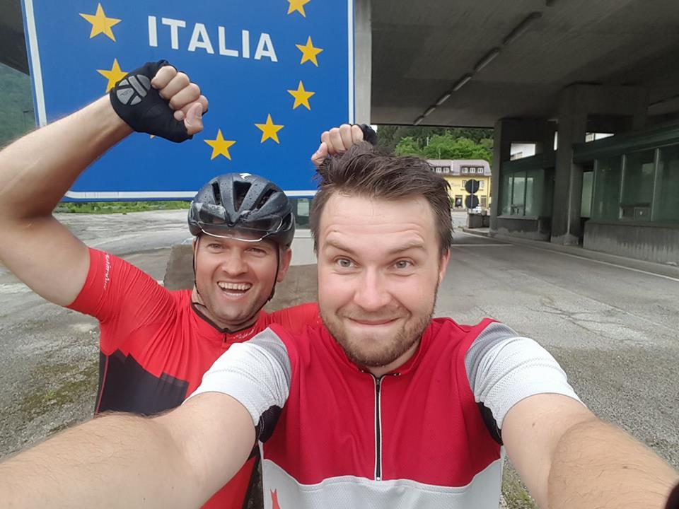 Photo of Rowerzyści z Piotrkowa (i nie tylko) dojechali do Włoch