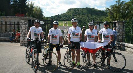 Sztafeta rowerowa dojechała na Monte Cassino