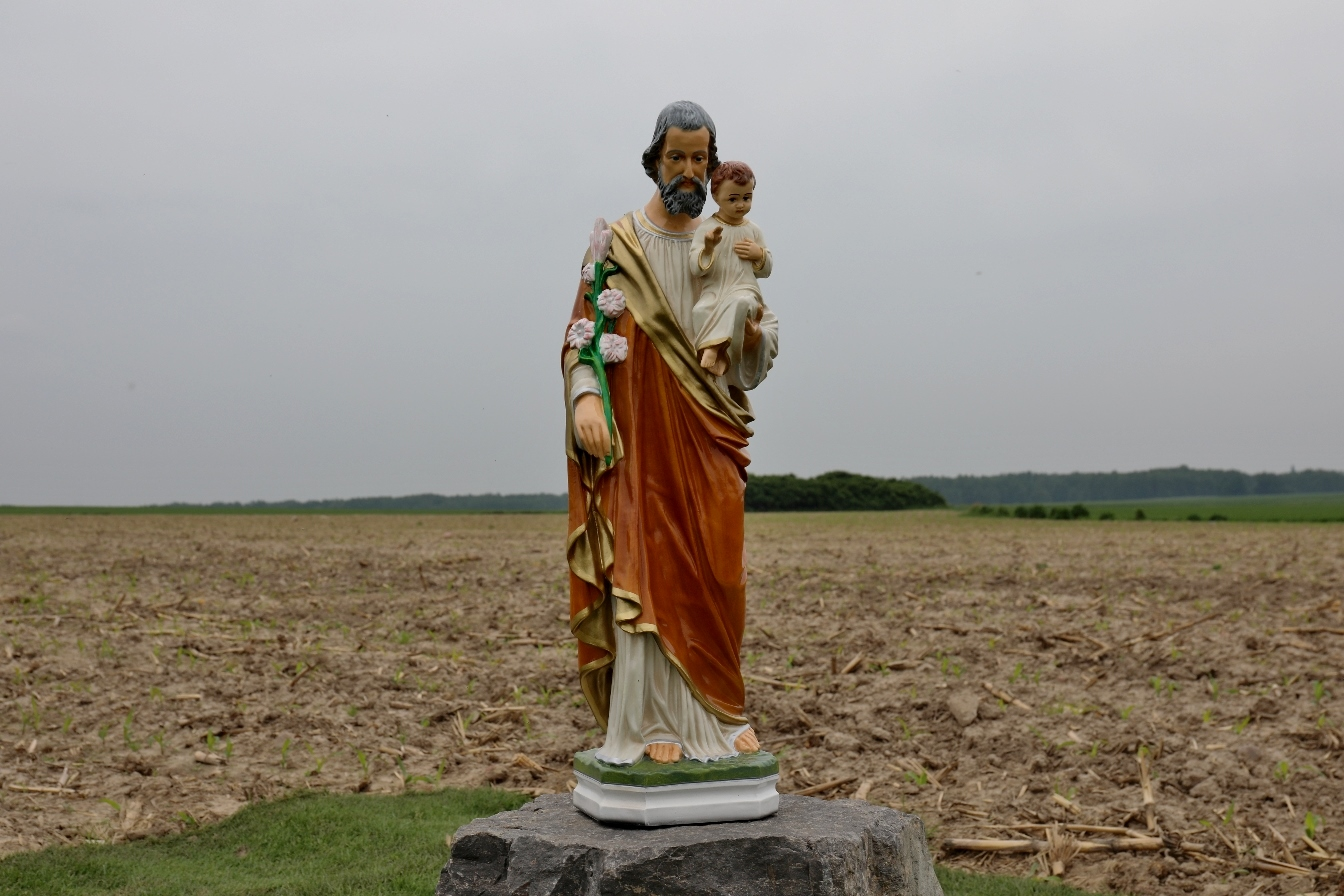 Photo of W Rzepkach wybudują klasztor sióstr Zawierzanek. Miejsce poświęcił abp Grzegorz Ryś