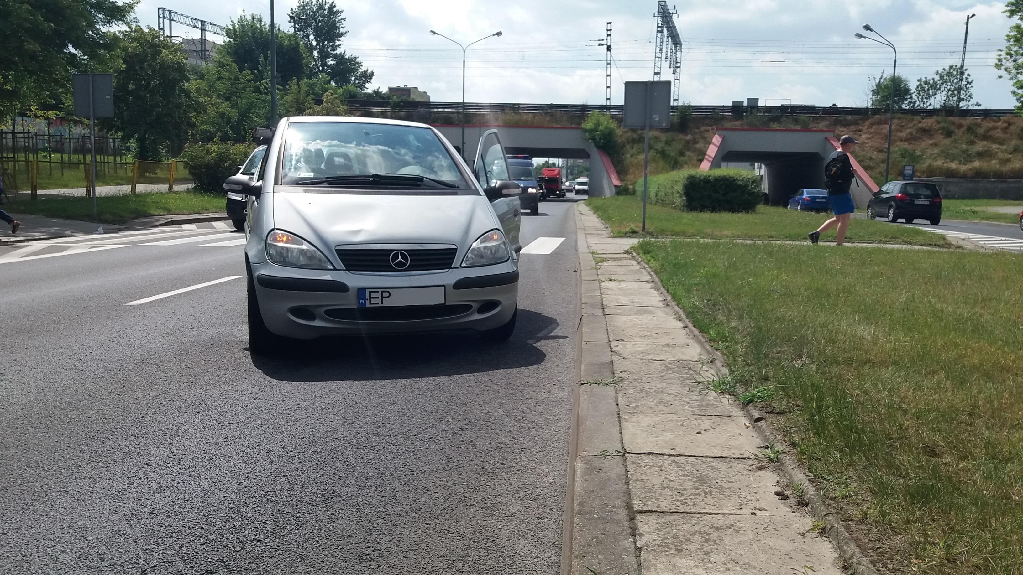 Photo of Okradł kobietę i wpadł pod samochód