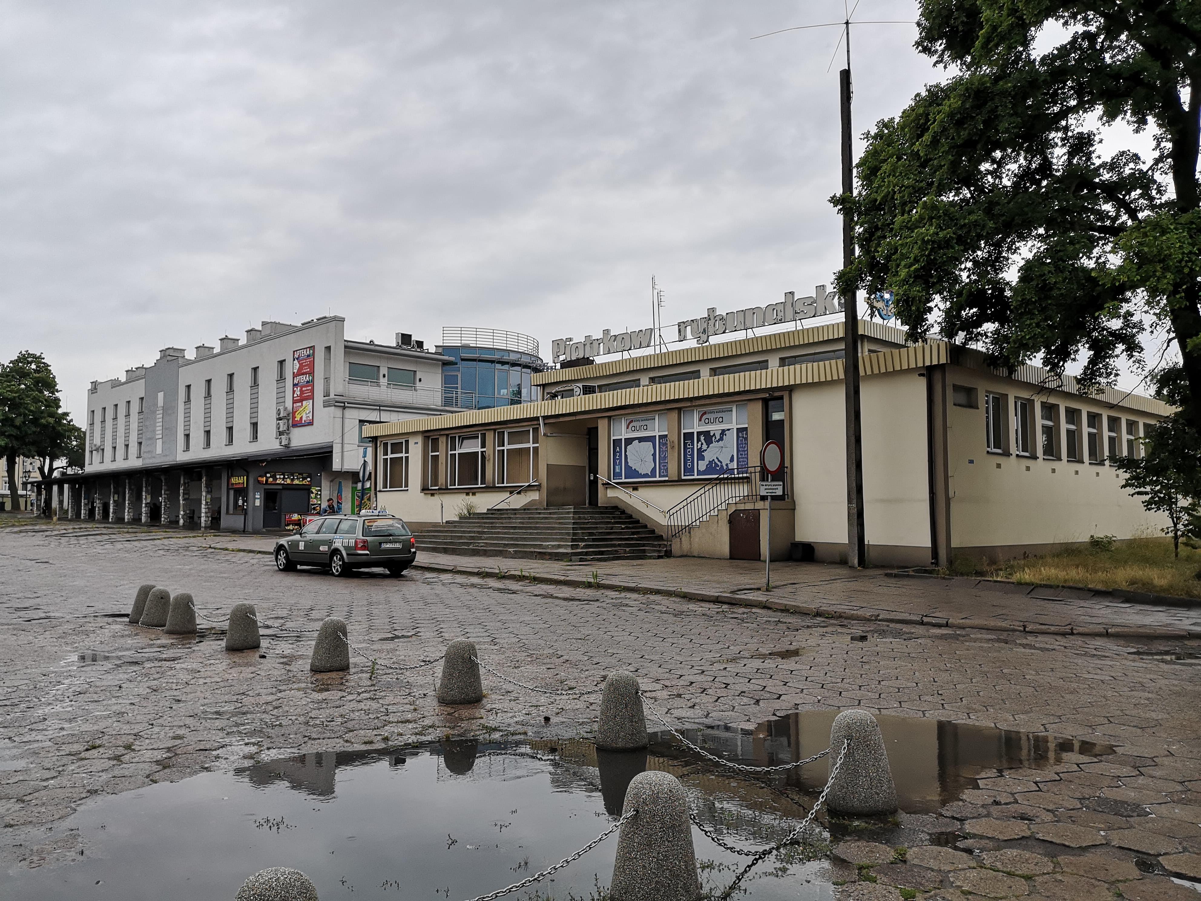Photo of Likwidacja PKS Piotrków. Kto przejmie majątek spółki?