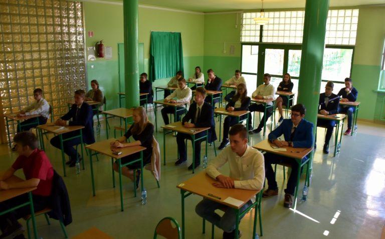 Photo of Egzamin gimnazjalny: język polski słabiej, reszta powyżej średniej