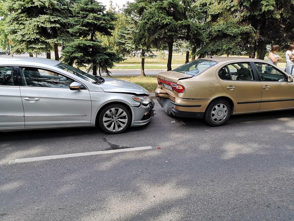 Photo of Kolizja trzech osobówek, wypadek na S8