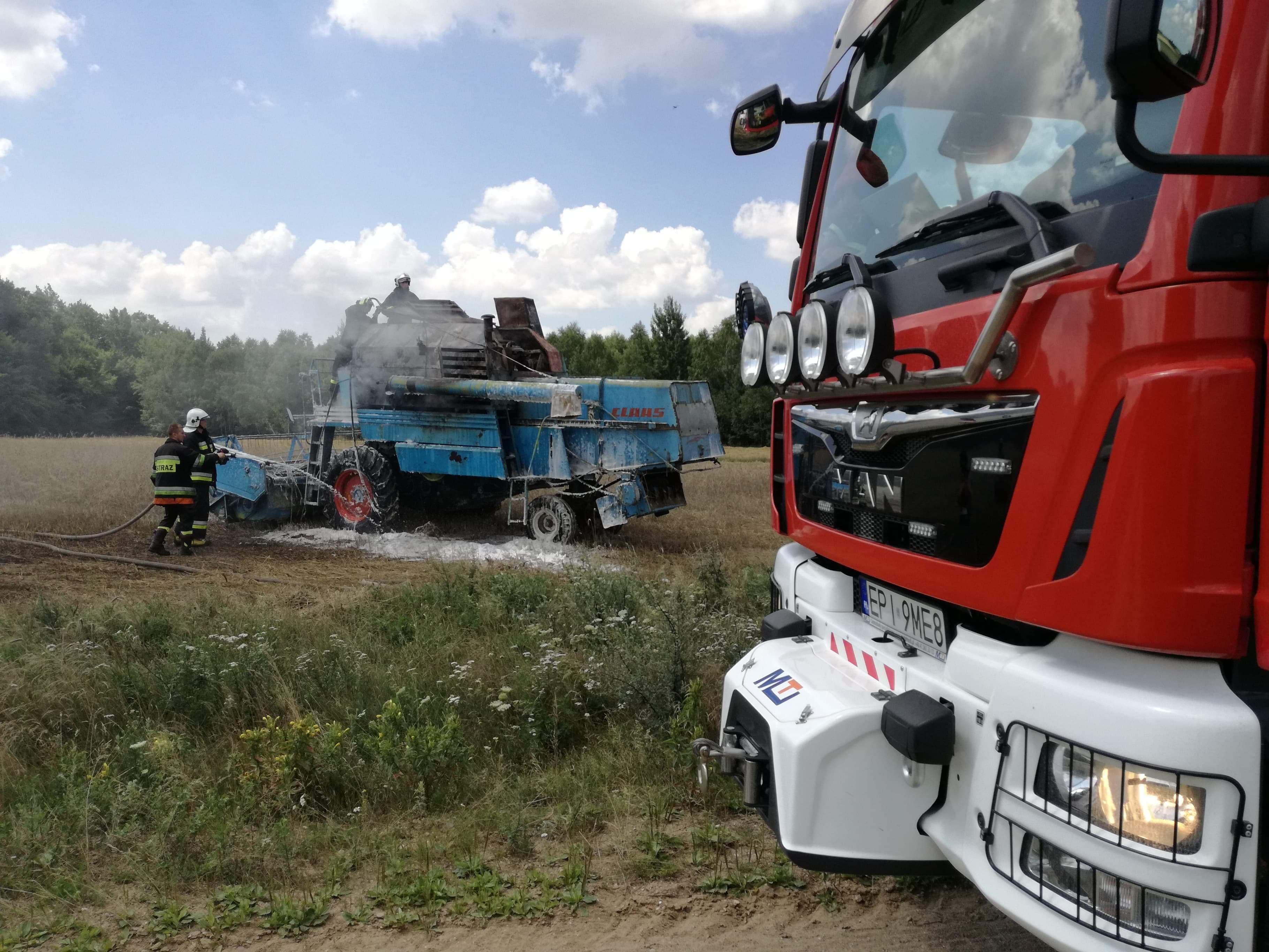Photo of Kolejne pożary zbóż. Na polach płoną kombajny [ZDJĘCIA, VIDEO]