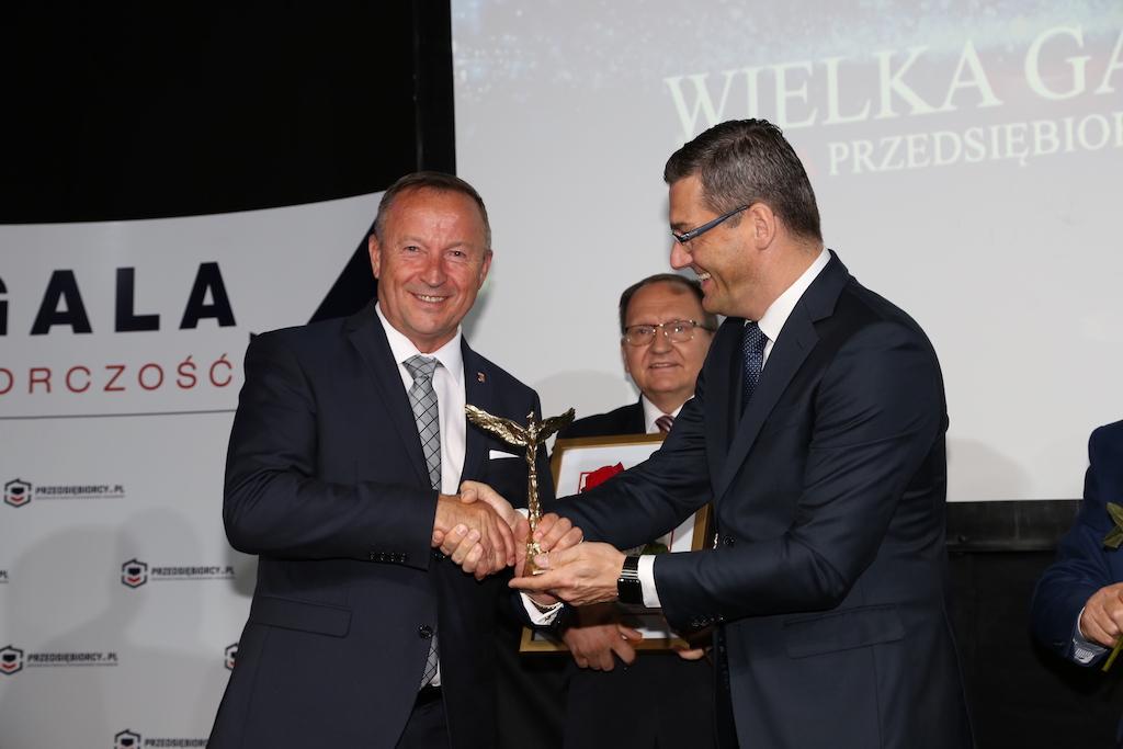 Photo of Orzeł Polskiego Samorządu dla burmistrza Wolborza