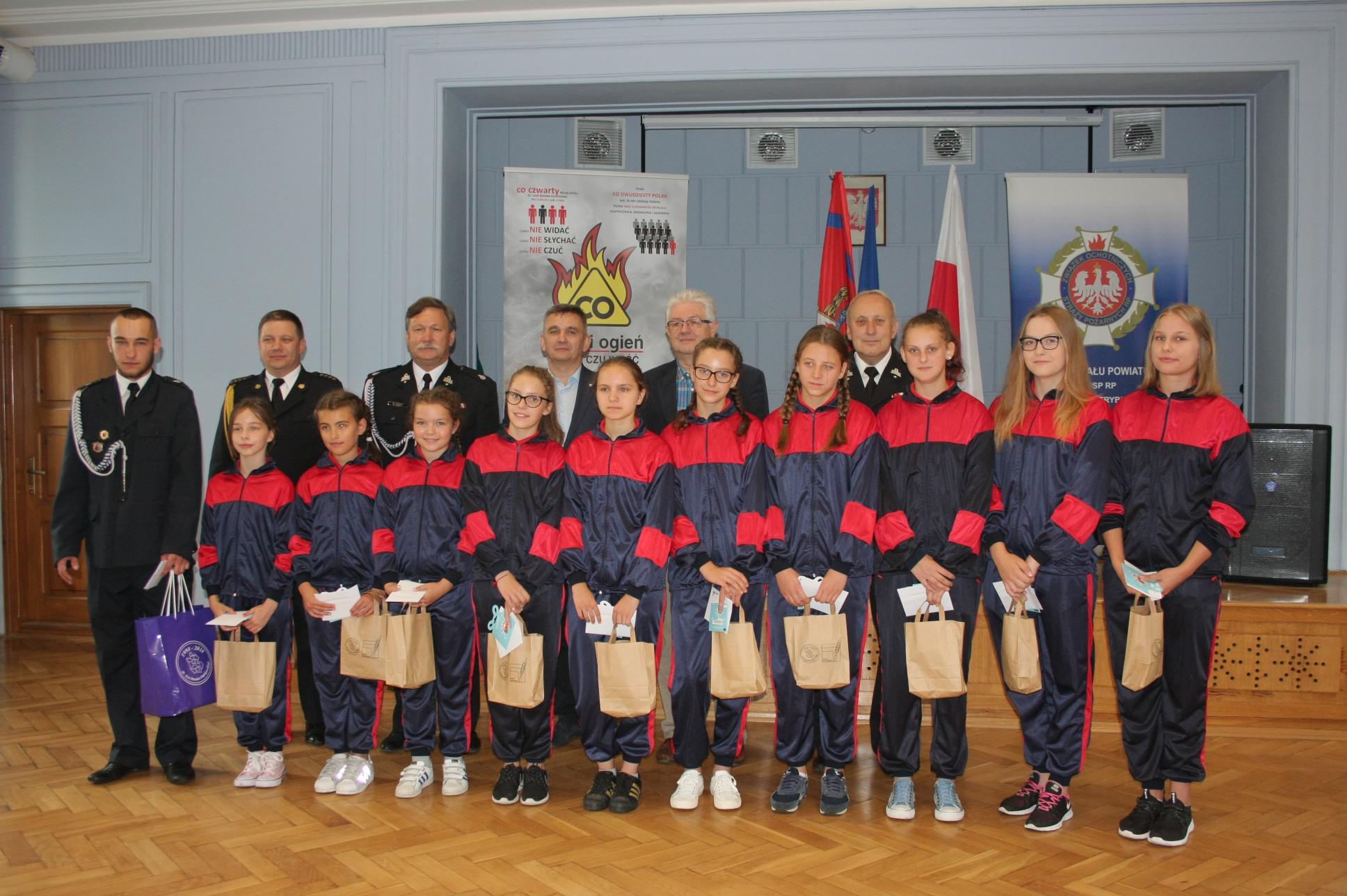 Photo of Druhny z OSP Rozprza pojadą na ogólnopolskie zawody pożarnicze
