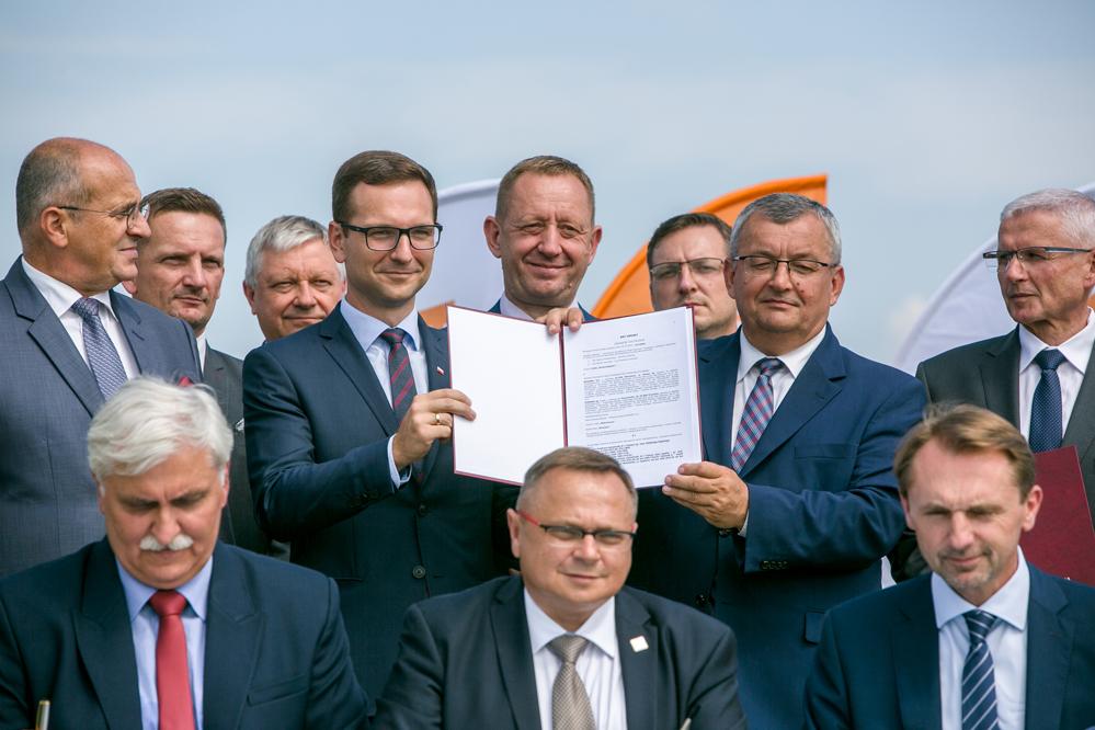 Photo of Podpisanie umowy na przebudowę A1