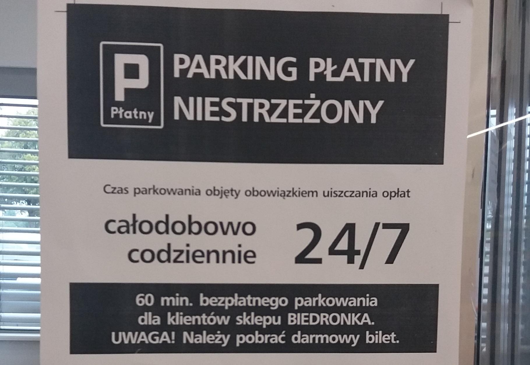 """Photo of """"Biedronka"""" wprowadziła w Piotrkowie płatny parking"""