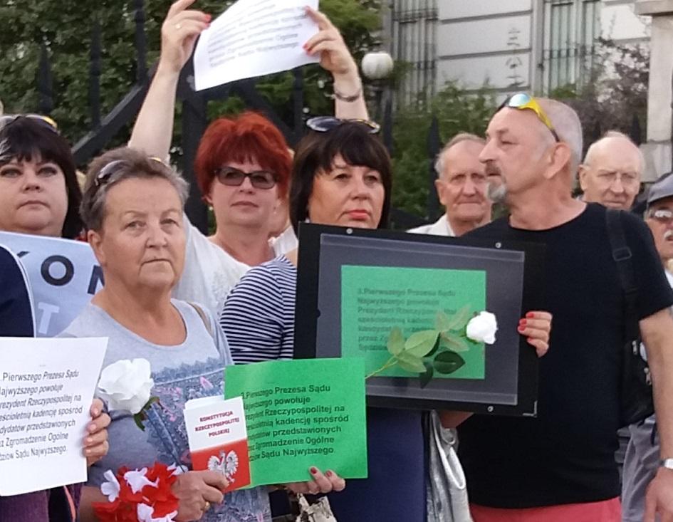 Photo of Protest w obronie sądów