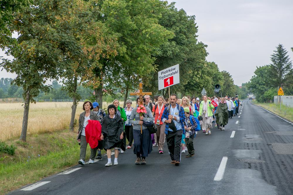 Photo of Piesza Piotrkowska Pielgrzymka na Jasna Górę już w drodze [AKTUALIZACJA]