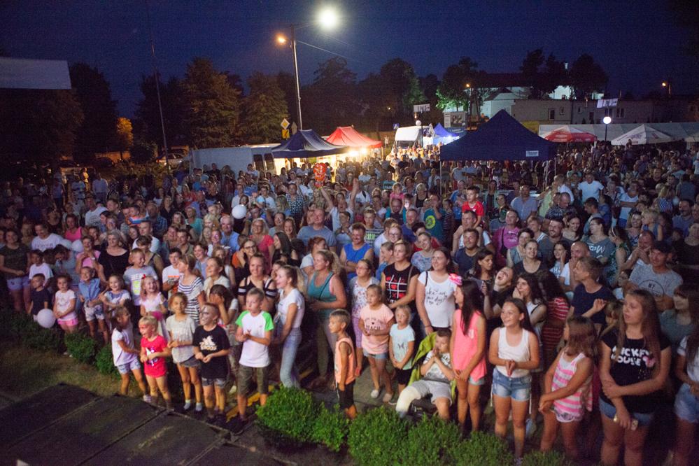 Photo of Tłumy na koncercie grupy D-Bomb w Ręcznie
