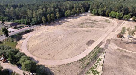 Budowa stadionu w Ręcznie bez zakłóceń