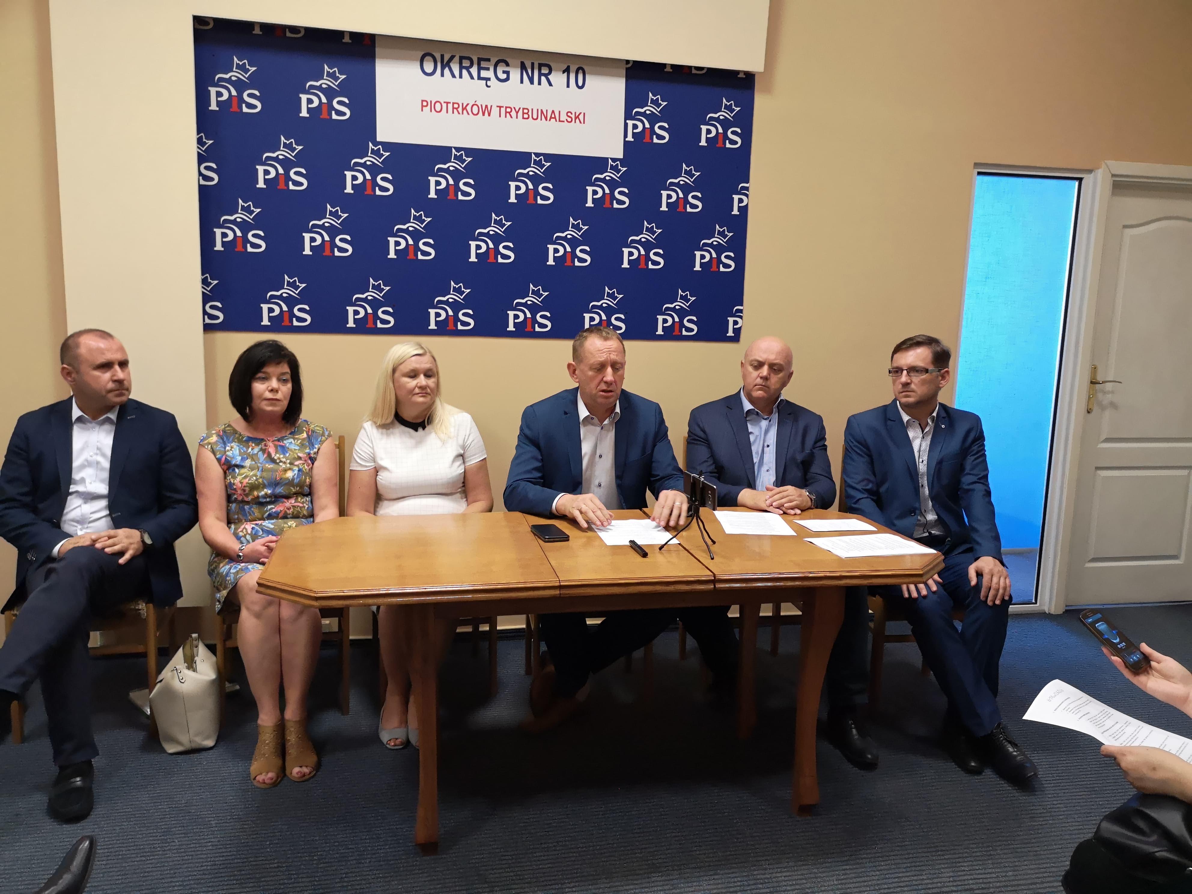 Photo of Konferencja PiS – by wzmocnić przekaz premiera Morawieckiego [FOTO, VIDEO]