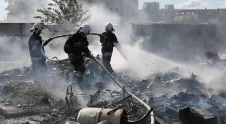 Pożar złomowiska w Woli Krzysztoporskiej