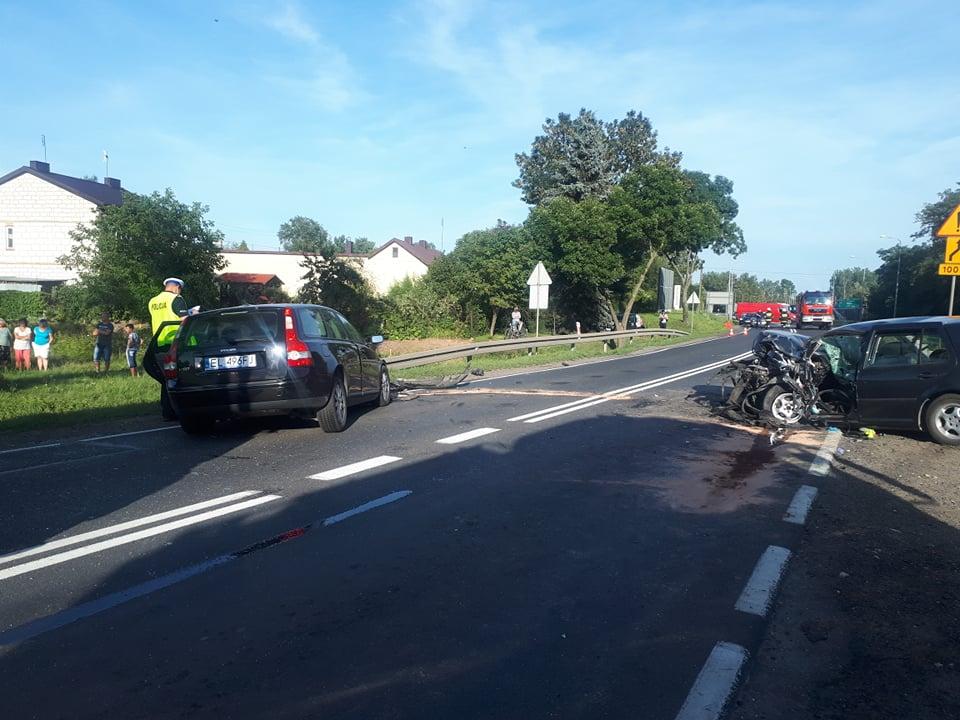 Photo of DK12: 2 wypadki, 9 osób rannych, 4 rozbite samochody, kilometry korków