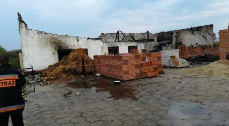 Pożar stodoły w Gąskach – VIDEO