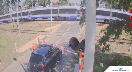 Skrajna nieodpowiedzialność na przejeździe kolejowym – FILM
