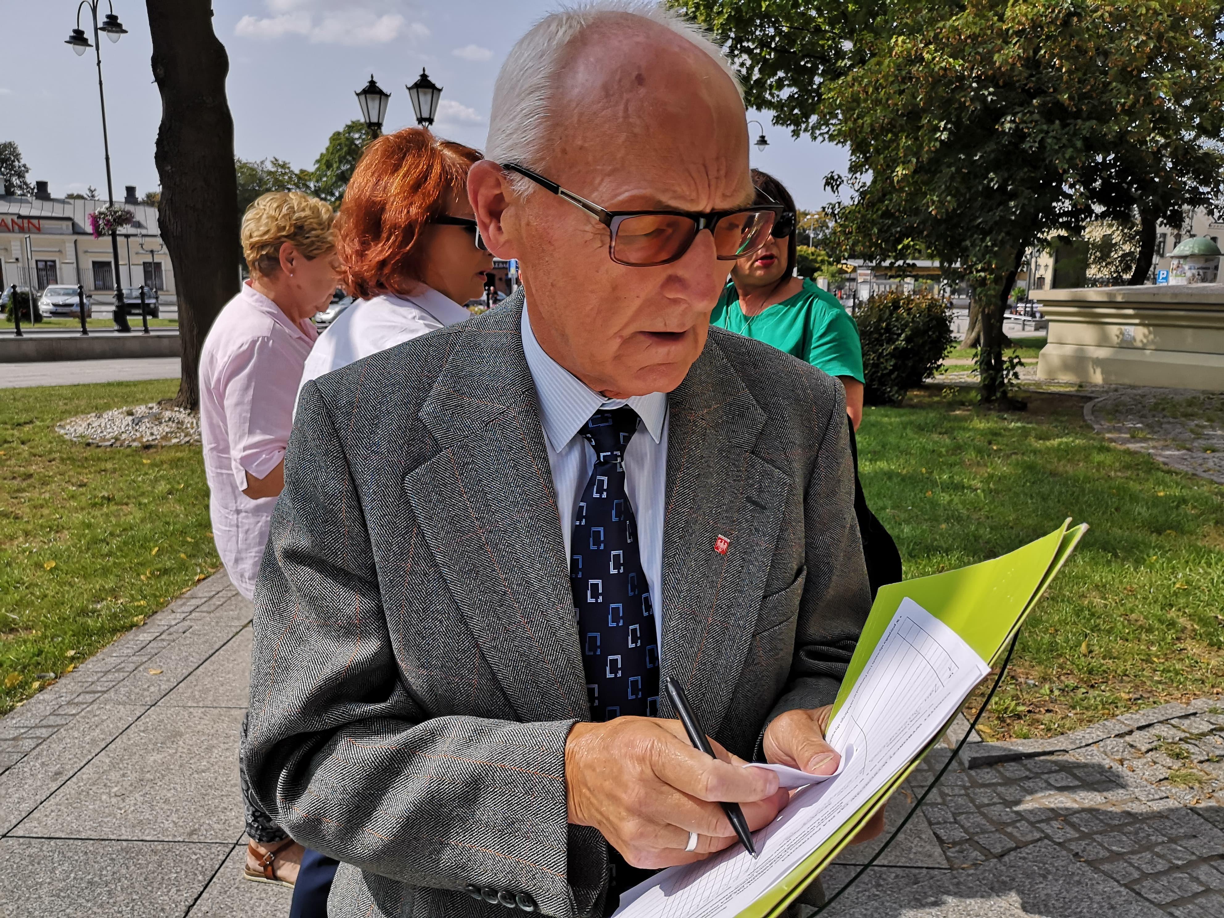 Photo of Radny Dziemdziora składa wniosek do Wojewody