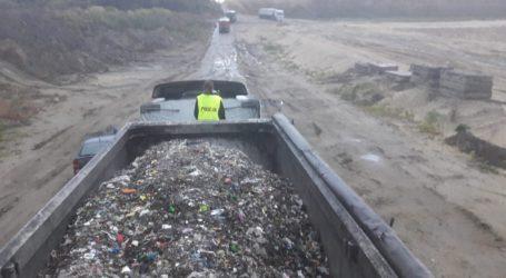 Nielegalne wysypisko odpadów pod Piotrkowem