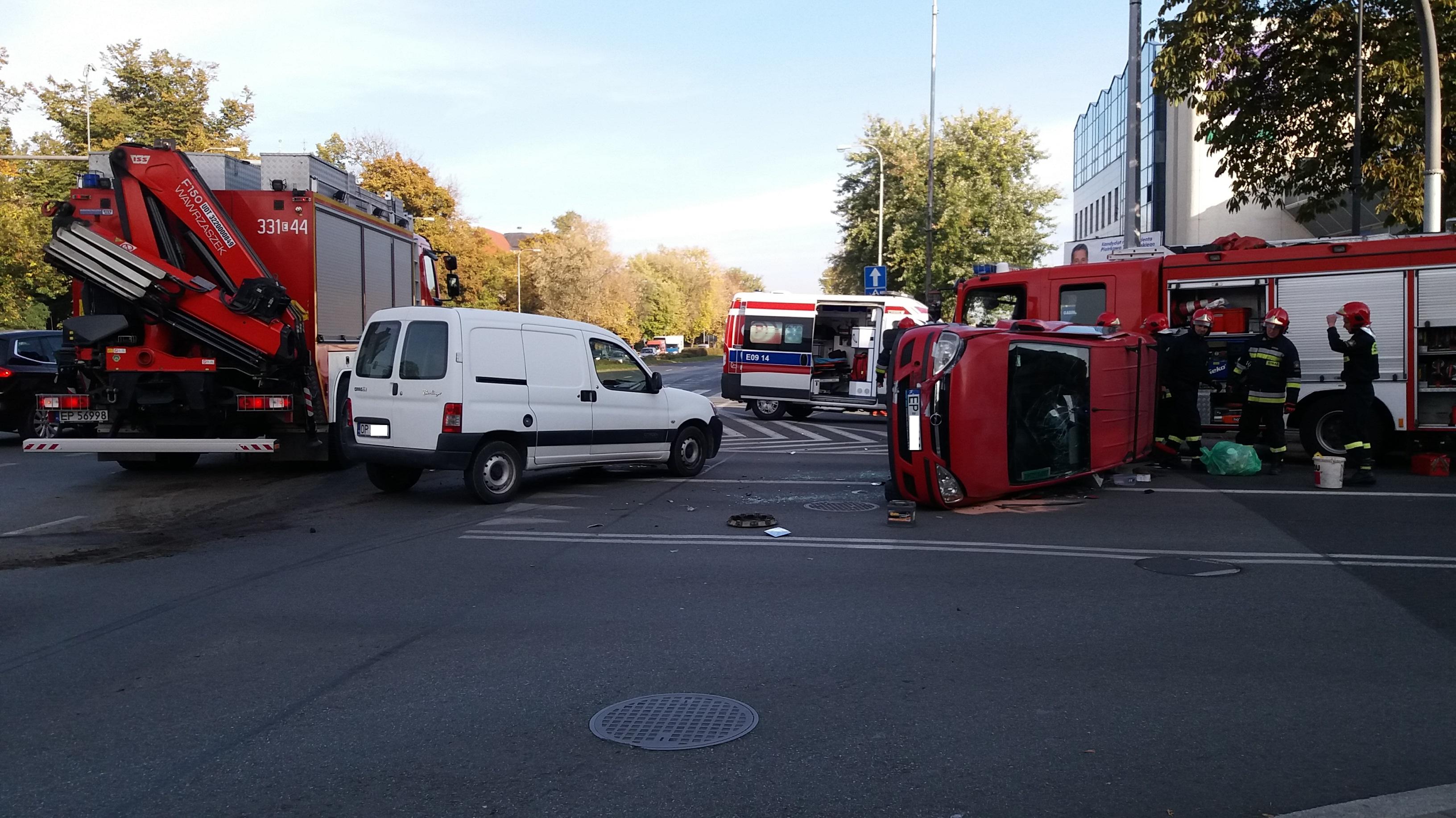 Photo of Wypadek na 3 Maja i Kopernika. Poszkodowane dziecko i kierowca [FOTO, VIDEO]