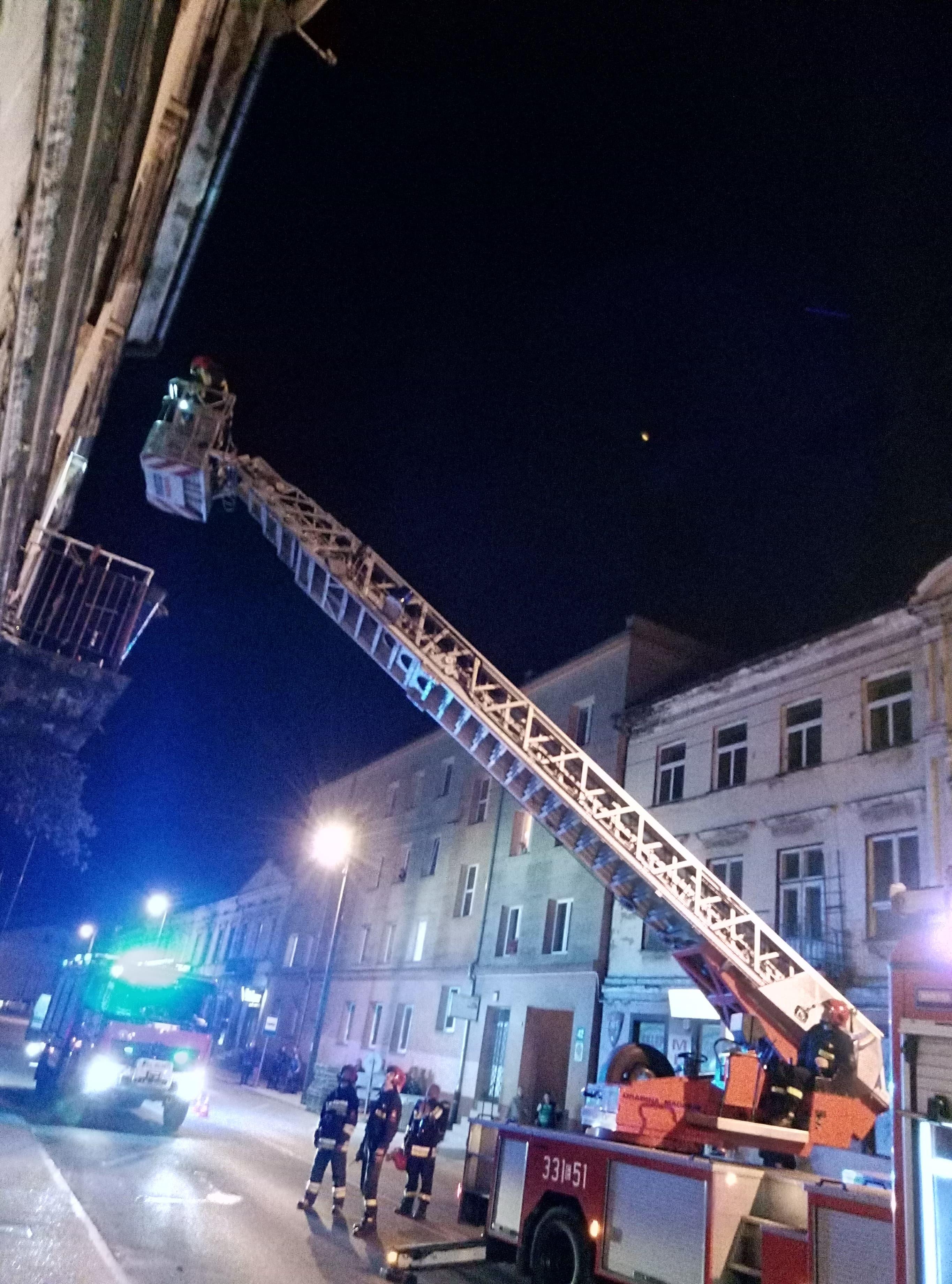 Photo of Pożar w kamienicy przy Wojska Polskiego [AKTUALIZACJA]