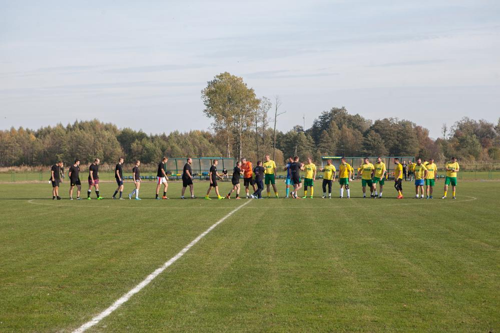 Photo of Charytatywny mecz w Moszczenicy
