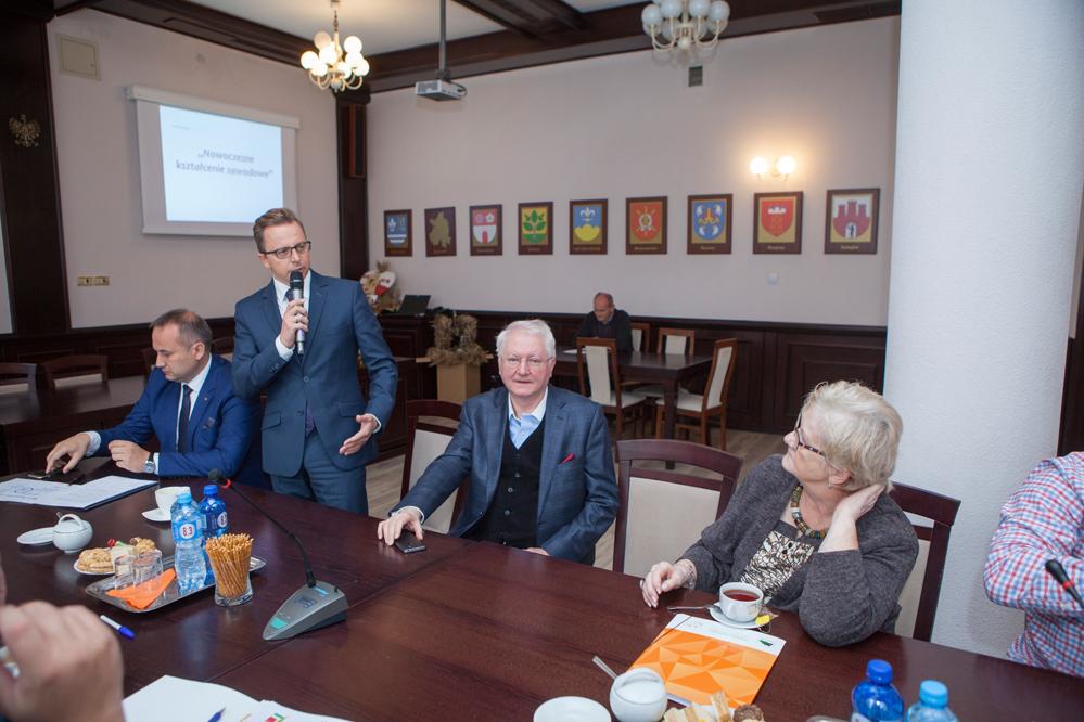 Photo of Zacieśnia się współpraca szkół powiatowych z przedsiębiorcami