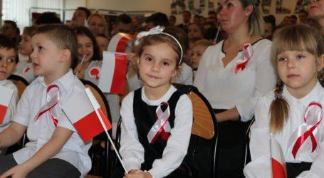 Uczniowie śpiewali Mazurka Dąbrowskiego – FILM