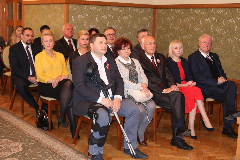 Photo of Radni i prezydent odebrali zaświadczenia o wyborze