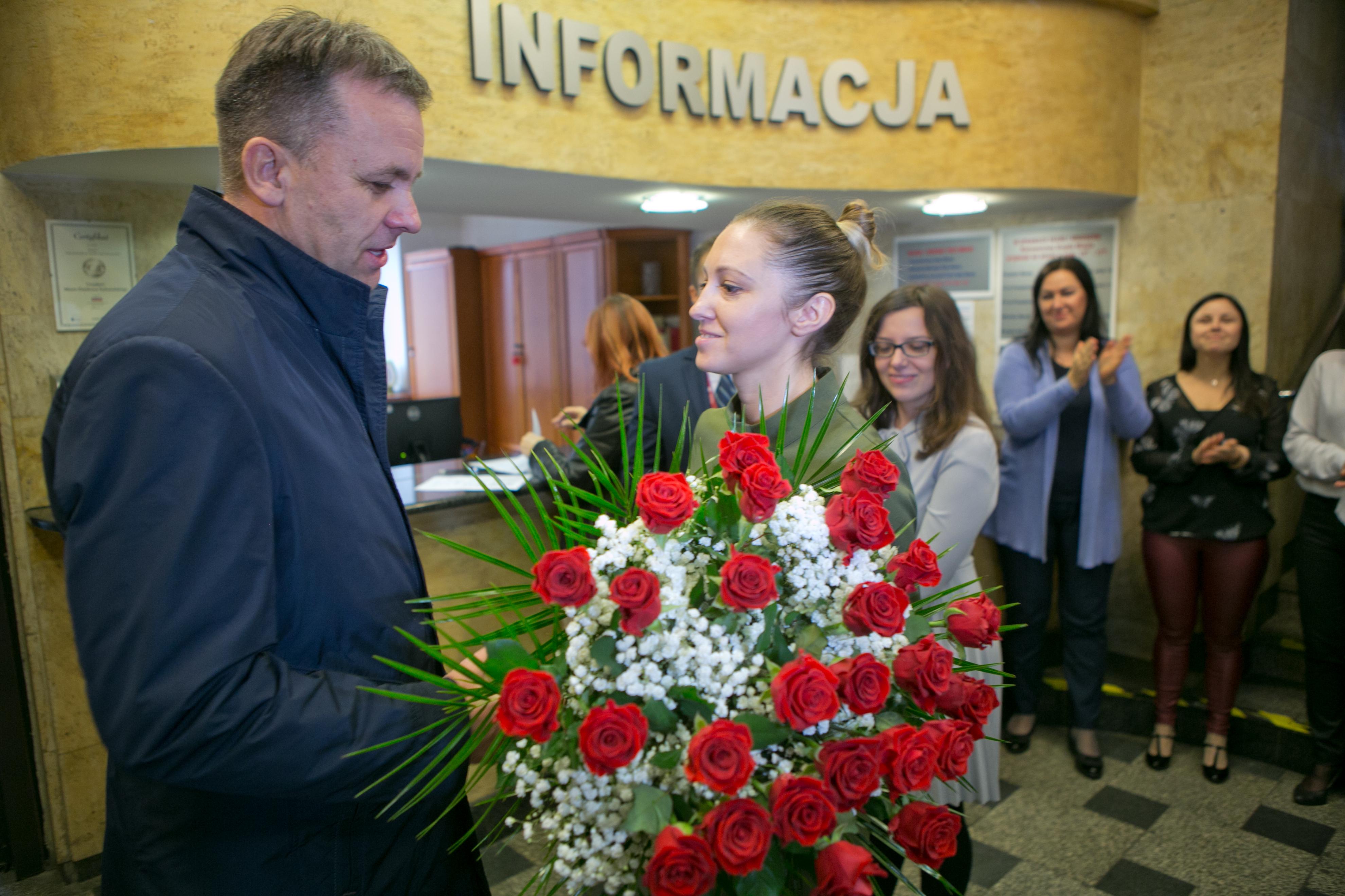 Photo of Urzędnicy przywitali prezydenta [FILM]