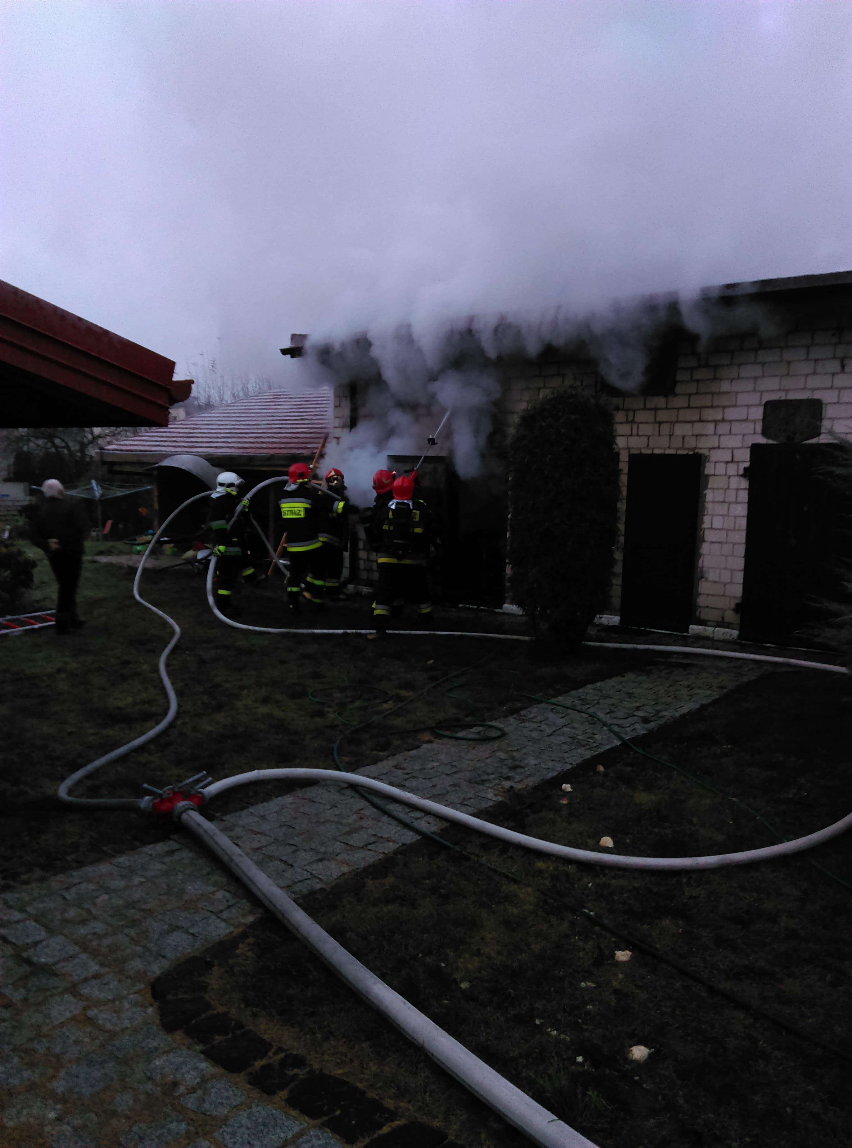 Photo of Pożar budynku gospodarczego – AKTUALIZACJA