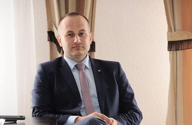 Photo of Piotr Wojtysiak – od młodszego referenta do starosty powiatu – WYWIAD