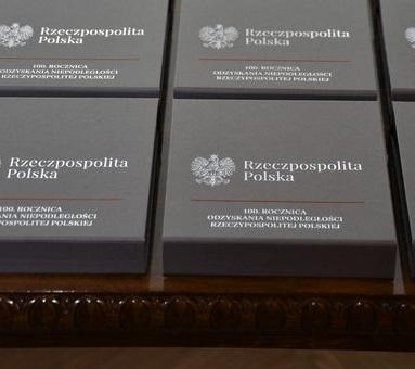 """Photo of Wicewojewoda łódzki wręczył """"Medale 100-lecia Odzyskania Niepodległości"""""""
