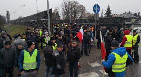 Rolnicy protestują. Blokada DK12 w Przygłowie