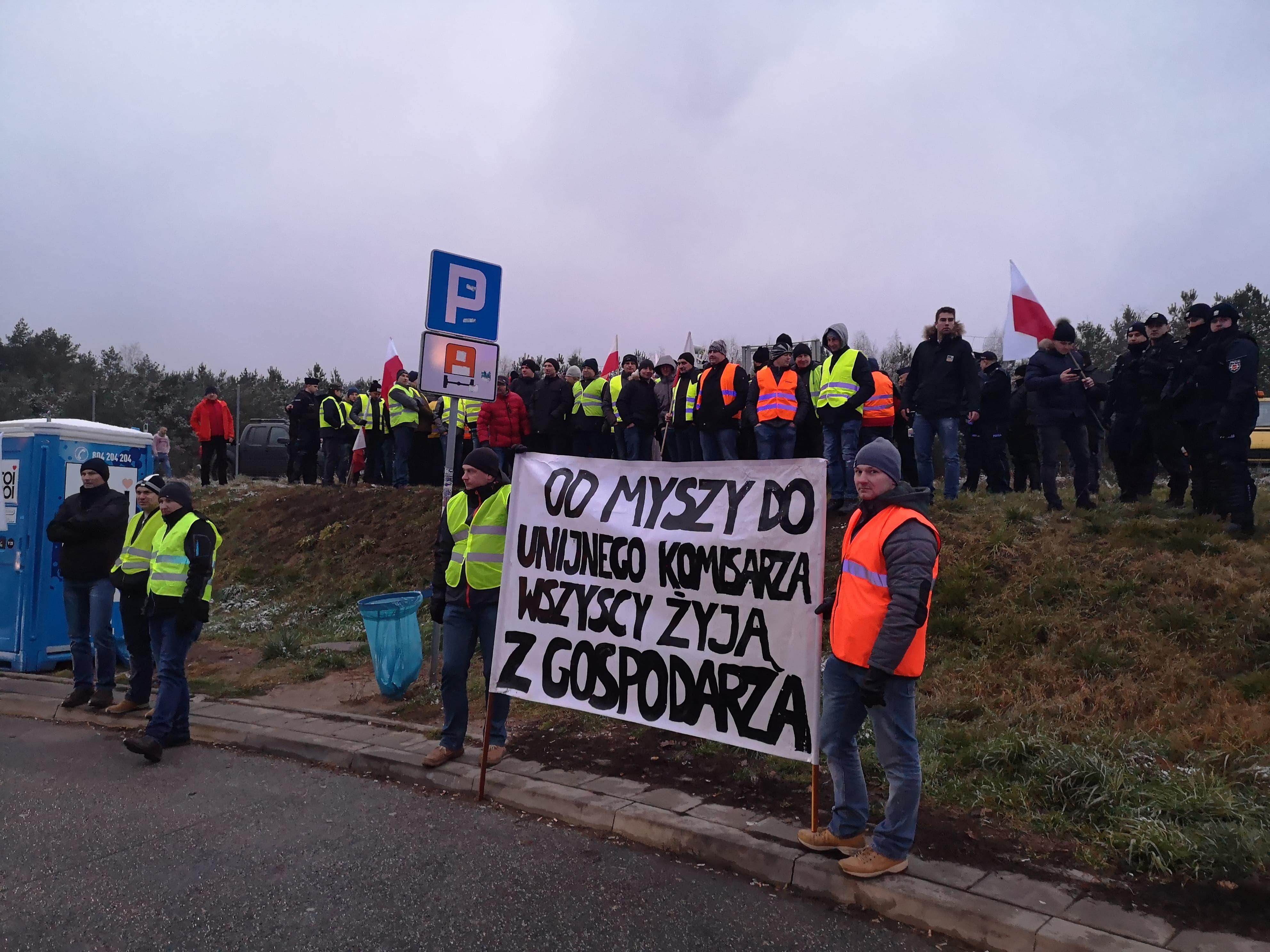 Photo of Rolnicy w powiatu piotrkowskiego w drodze do Warszawy