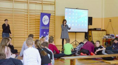 Lekcje europejskie w szkole w Woli Kamockiej