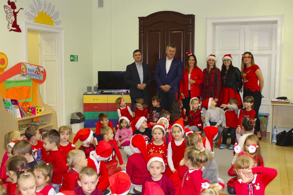 Photo of Wójt w roli św. Mikołaja