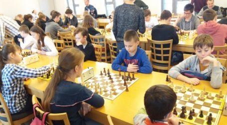 Awans młodych szachistów