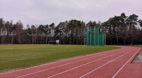 Koniec budowy stadionu lekkoatletycznego w Ręcznie – posłuchaj relacji