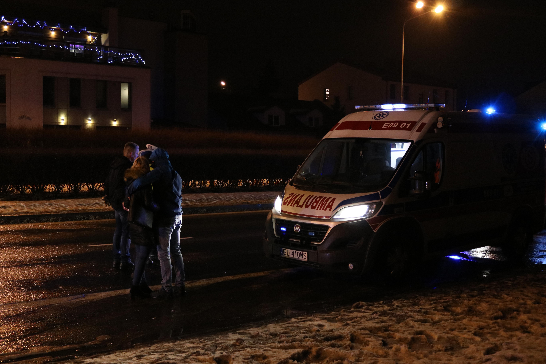 Photo of Potrącił dwie osoby i uciekł z miejsca wypadku. Po drodze zgubił tablicę rejestracyjną