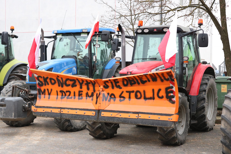 Photo of Protest rolników wyruszył ze Srocka w stronę Piotrkowa – AKTUALIZACJA